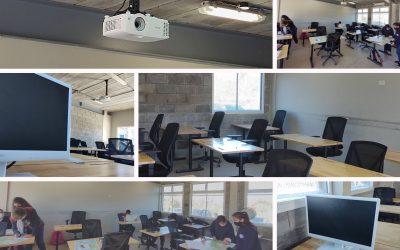 Proyectores y Computadoras en las Aulas